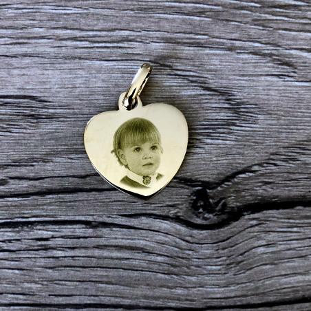 Gravure sur pendentif coeur photo plaqué or