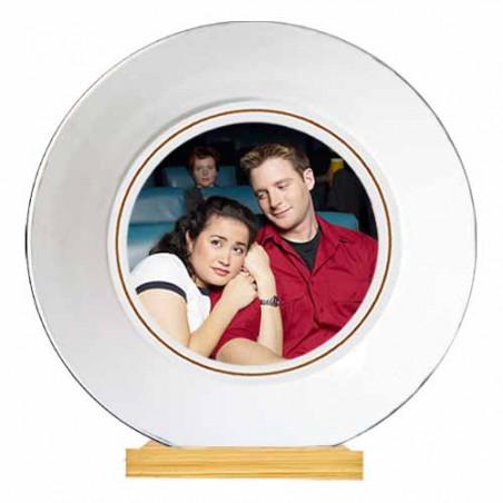 Photo sur assiette en porcelaine blanche